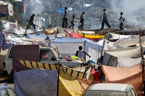 Haitians Set up Tent City for Shelter